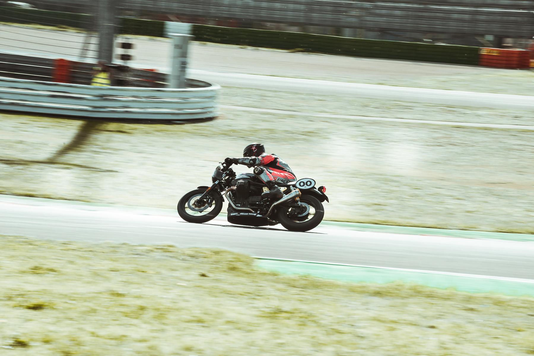2020-Moto-Guzzi-Endurance-DAY-2-37